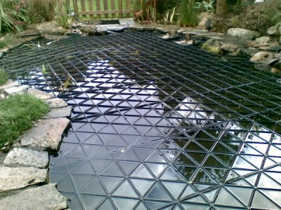 Can be installed above or just below water level